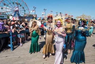 Desfile de sirenas en Coney Island